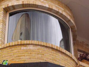 شیشه خم و معماری